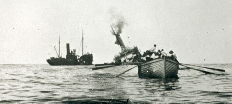 Aragon sinking. Reproduced with permission of Imperial War Museum